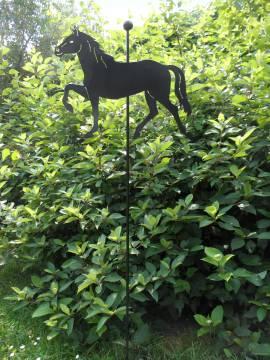 Gartenobjekt schwarz
