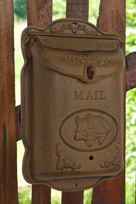 Briefkasten aus Gusseisen